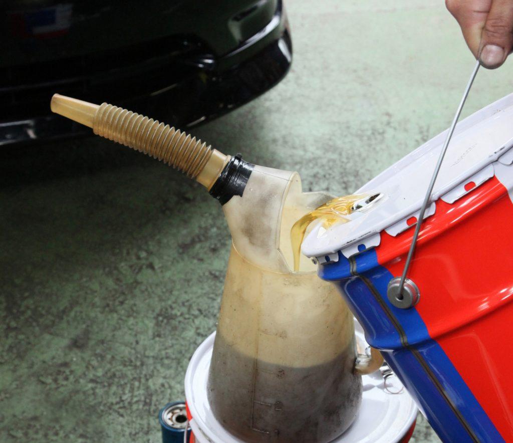 エンジンオイル交換の目安って、短くないですか?エンジンオイル交換の目安って、短くないですか?
