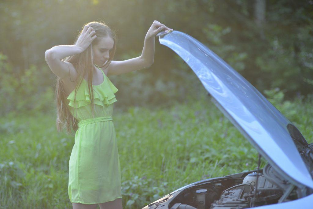 車が壊れる前兆2 エンジンからのきゅるきゅる音を放置すると大変なことに!