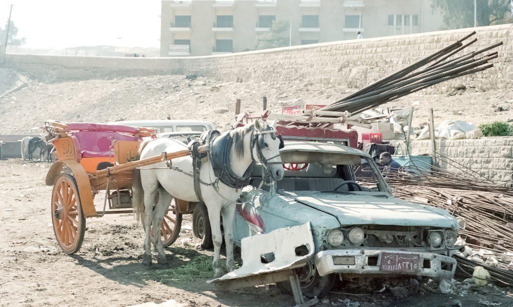 駐車場に、もう長い間放置してあり、その処分に困っている車、ありませんか?