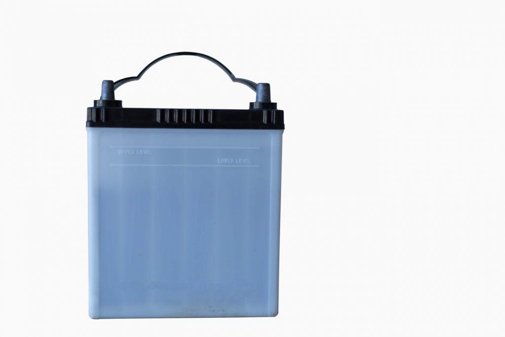アイスト車 バッテリー上がりを防ぐ方法 バッテリーに負担をかけない上手な乗り方