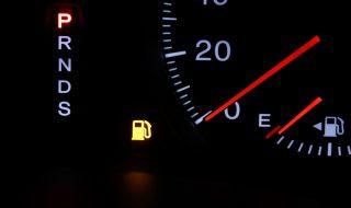 燃料給油ランプと走行距離の関係 ガソリンランプ点灯後、どの位走ることができますか?