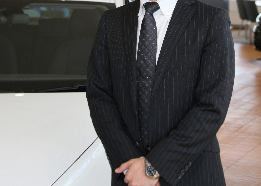 自動車ディーラーと旧車整備の関係は?