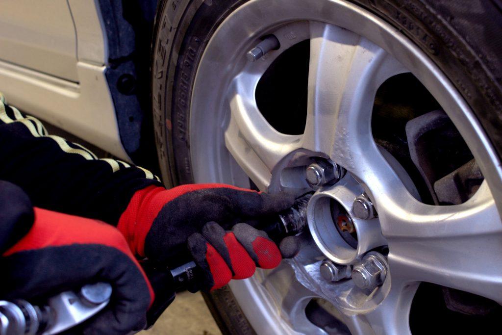 タイヤ交換を自分でやってみよう